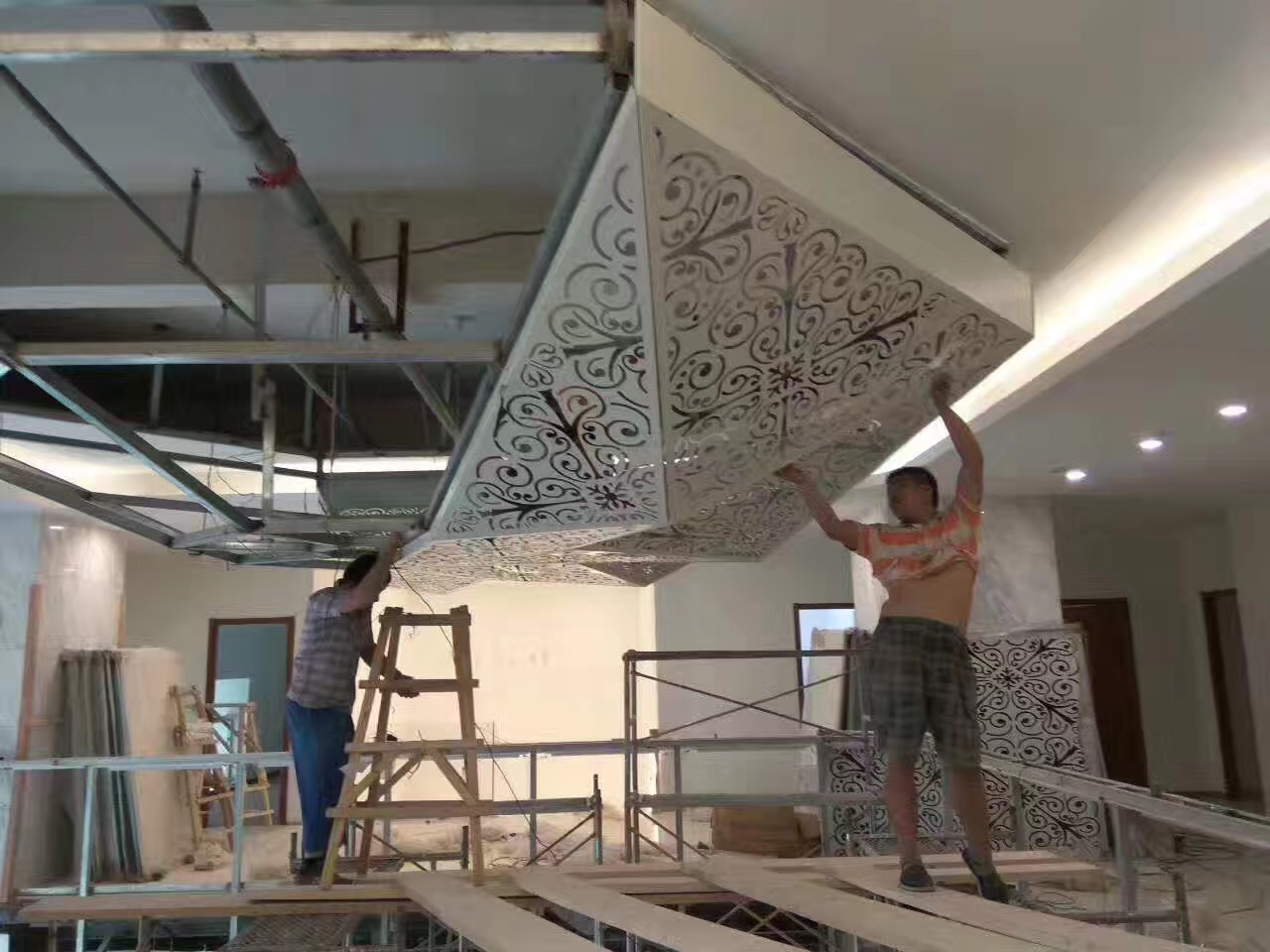 Pros & Cons of Using Aluminum Composite Panels - TechJek
